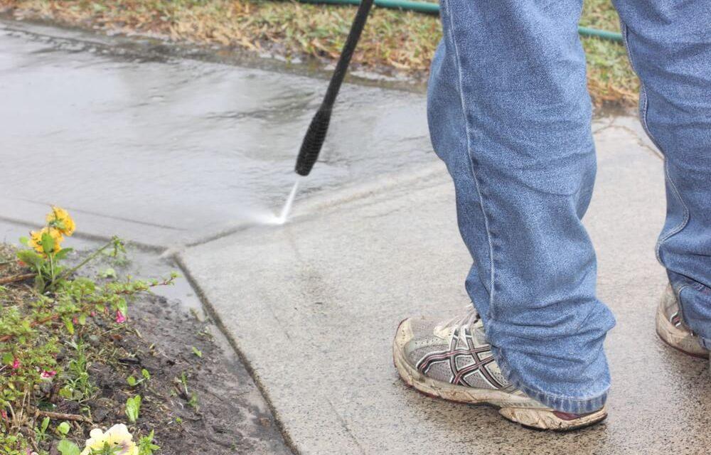 4 dicas incríveis de limpeza de pisos externos